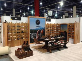 We build custom trade show booths